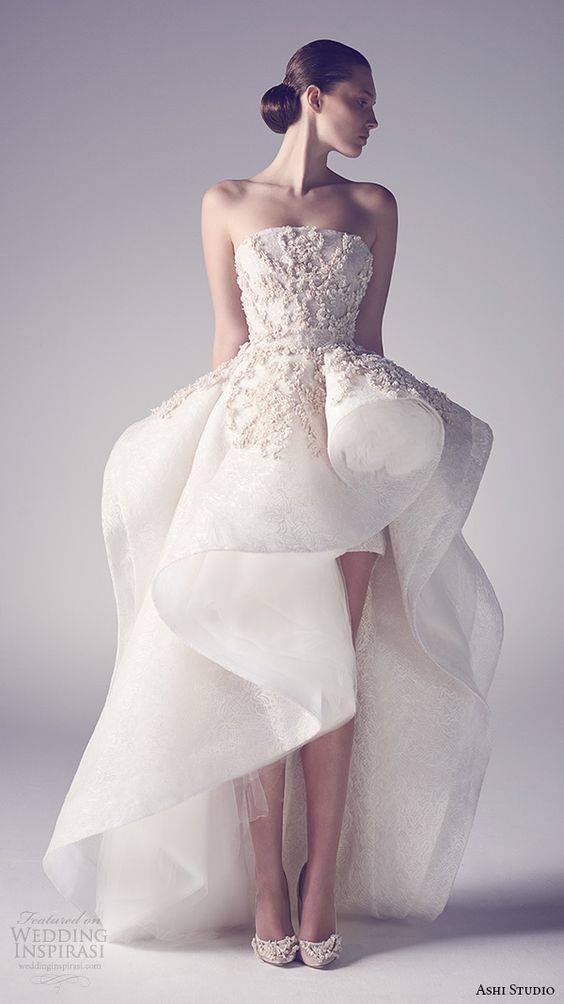 Самые красивые свадебные платья, которые вошли в историю