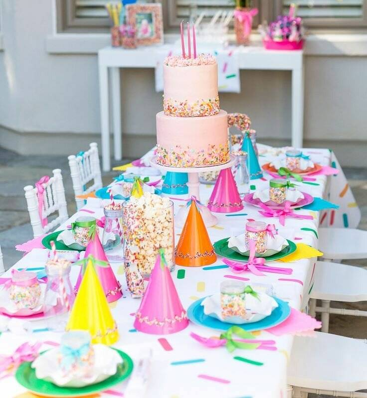 Как стильно и грамотно оформить стол на день рождения ребенка