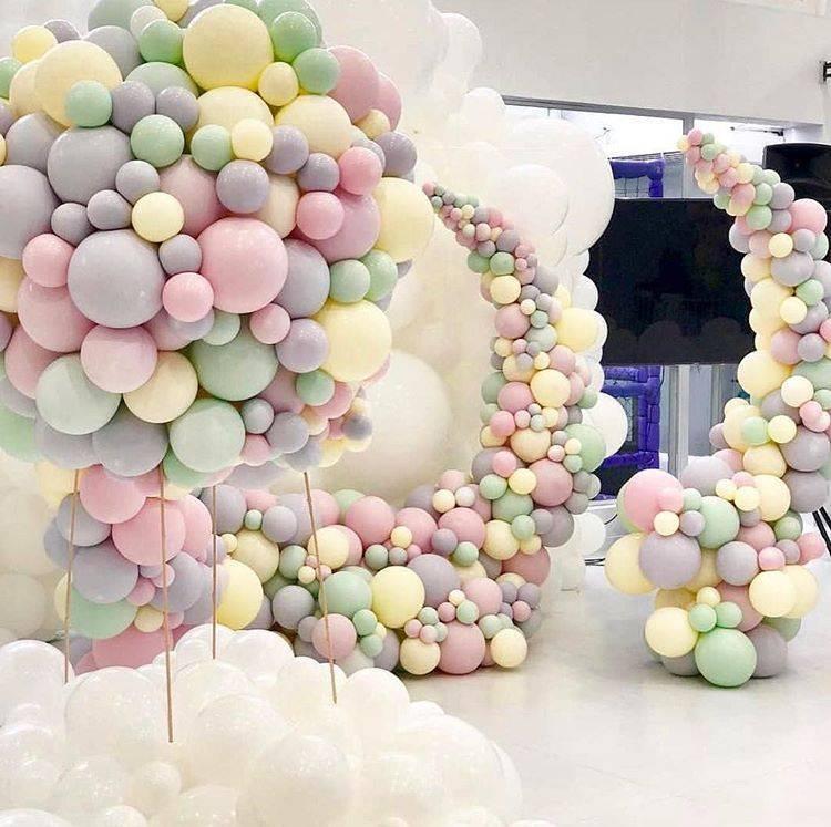Гирлянда из шаров — эффектное украшение для любого праздника