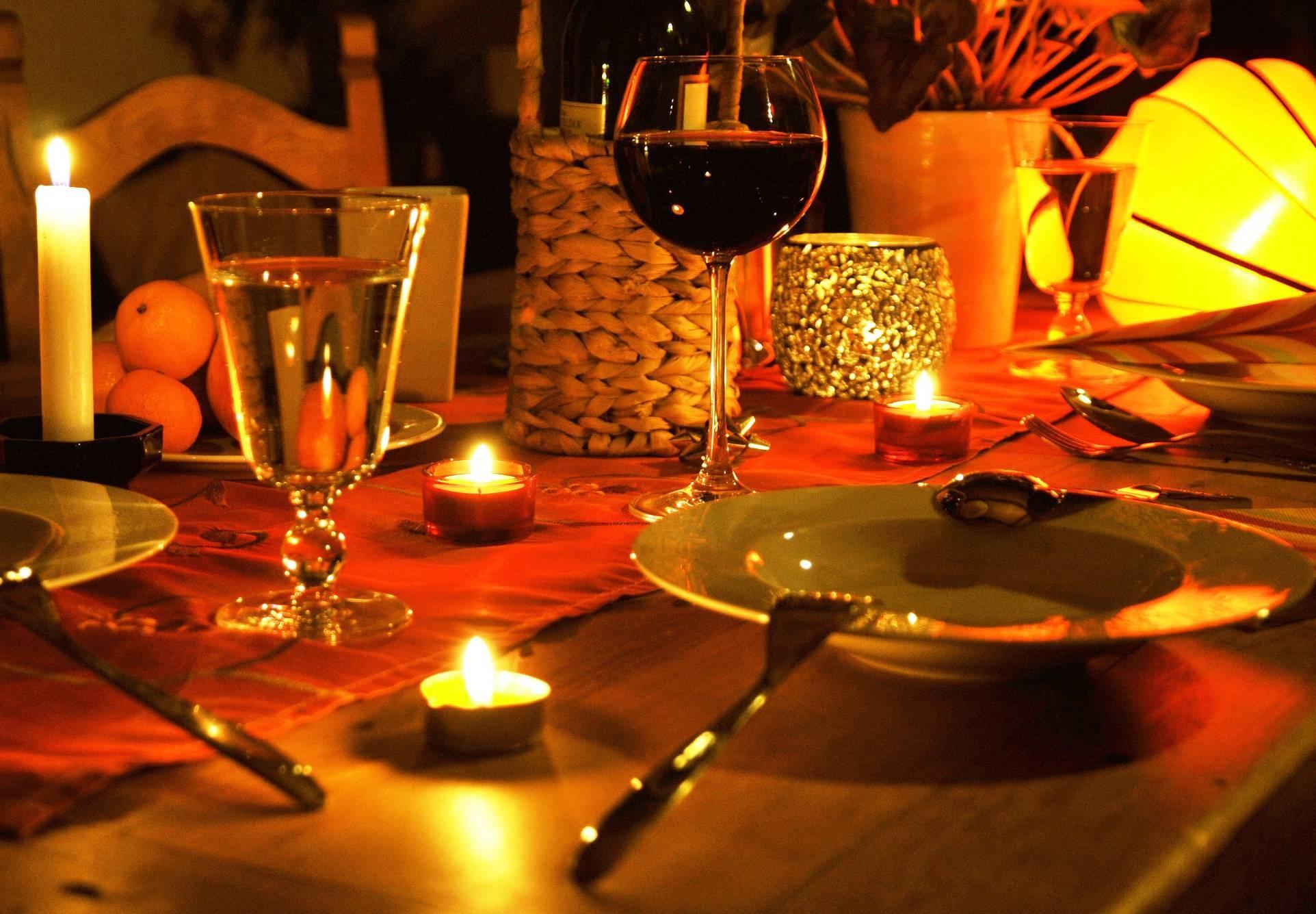 Как выбрать музыку для романтического вечера
