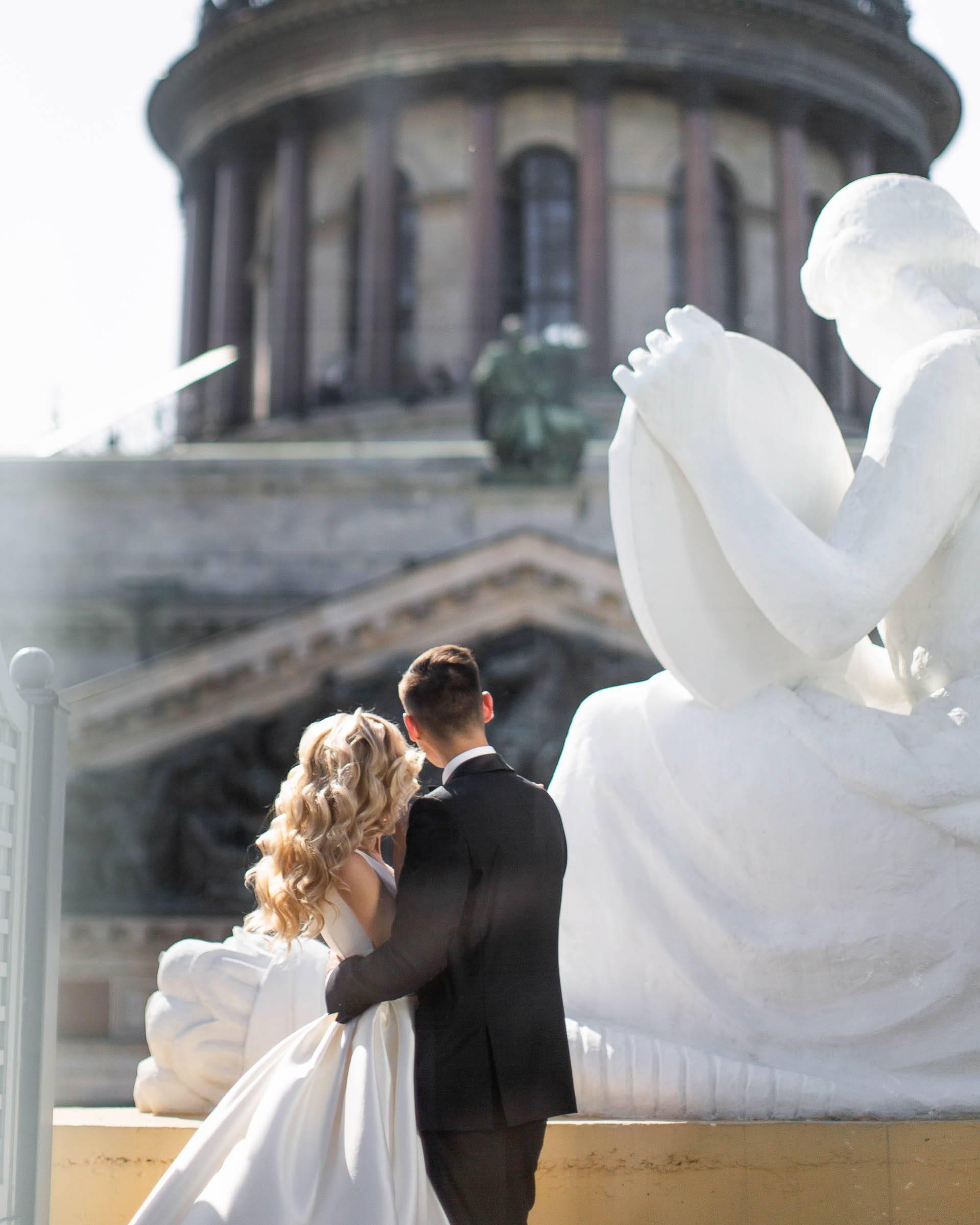 Свадьба в Санкт-Петербурге на земле и на воде