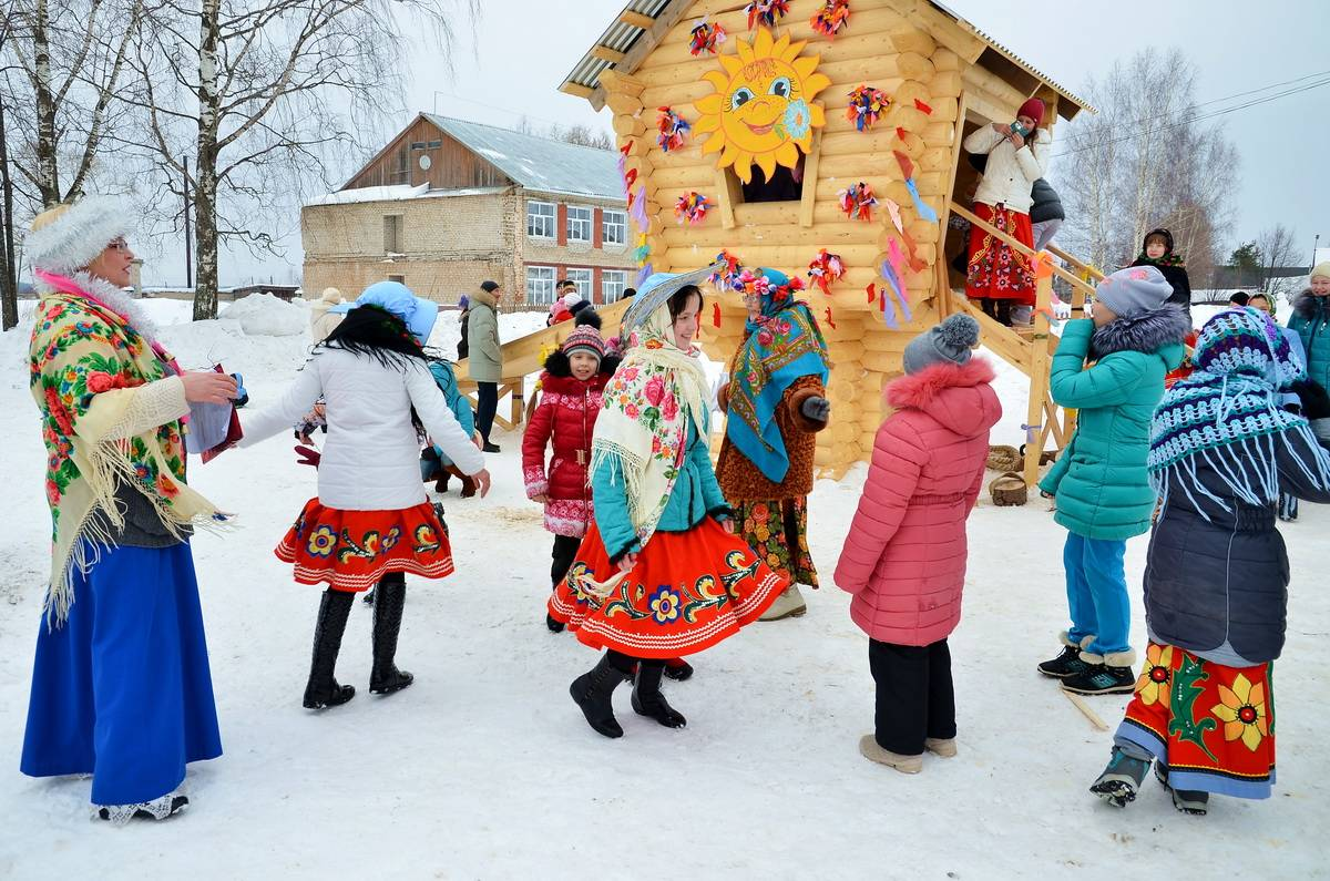 Веселые сценки в народном стиле на День Села и другие праздники