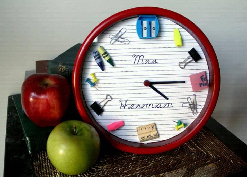 Что подарить своим учителям на День учителя — никаких стандартов!