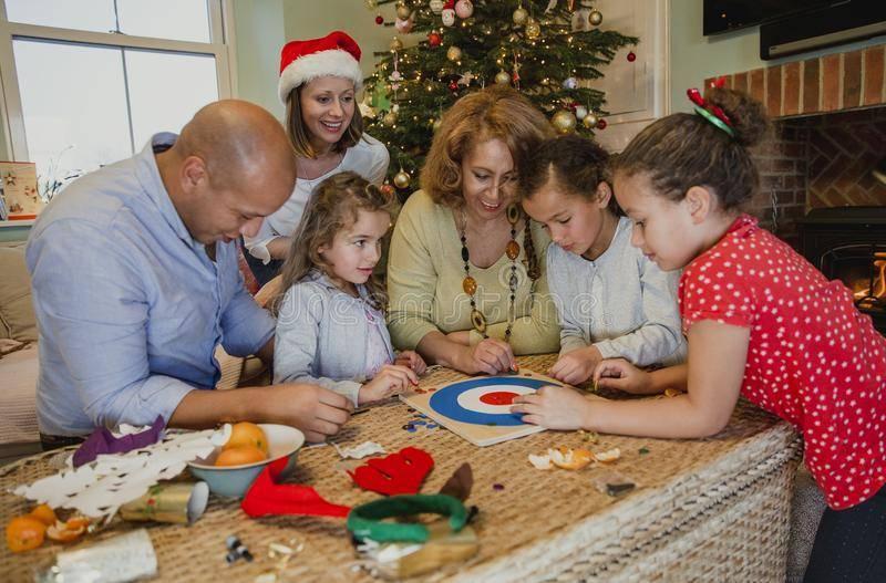 Конкурсы на Новый год для семьи — весело, незабываемо, оригинально!