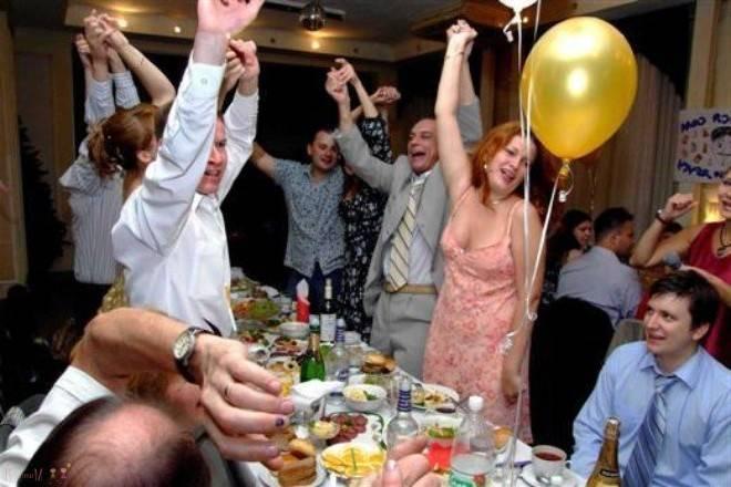 Смешные конкурсы на день рождения — пляшем, играем, поем!