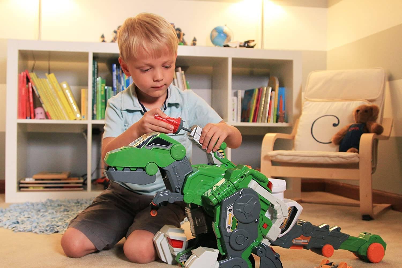 Что подарить на 8 лет мальчику: игра, творчество, развитие