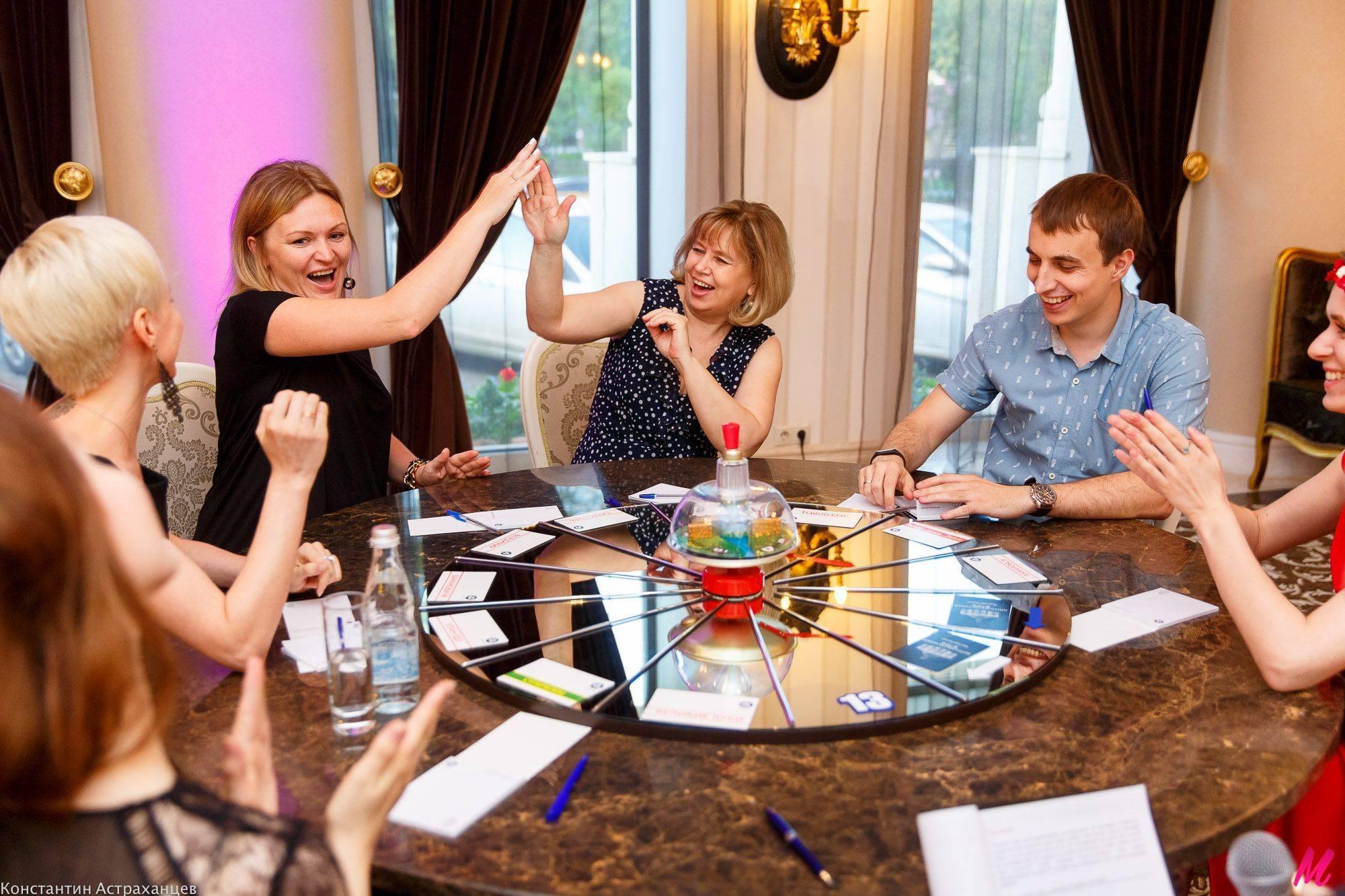 Застольные игры на знакомство гостей - волшебные ключи к успеху вечеринки