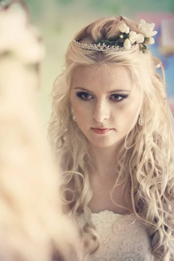 Свадебная прическа с распущенными волосами — элегантная простота