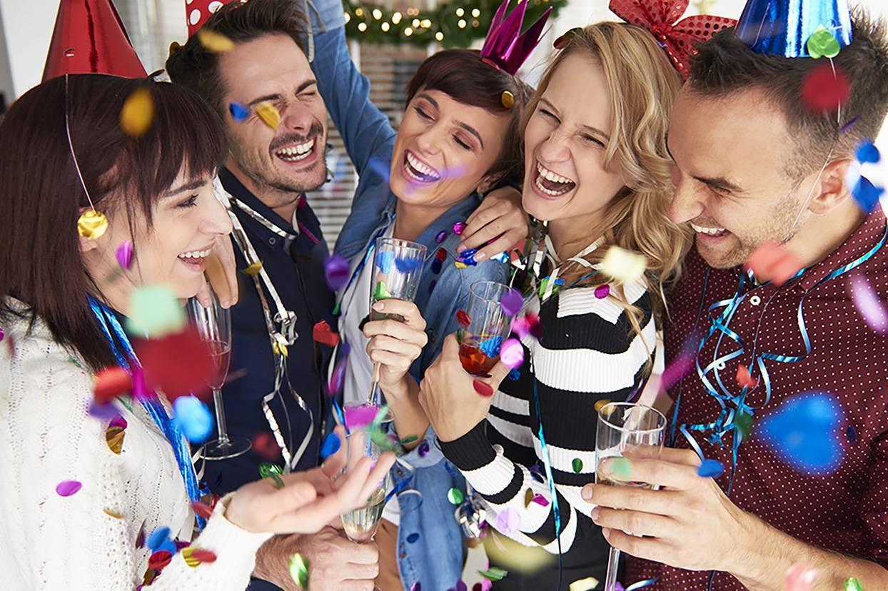 Новый год: как отметить его приход с семьей, друзьями и любимым человеком