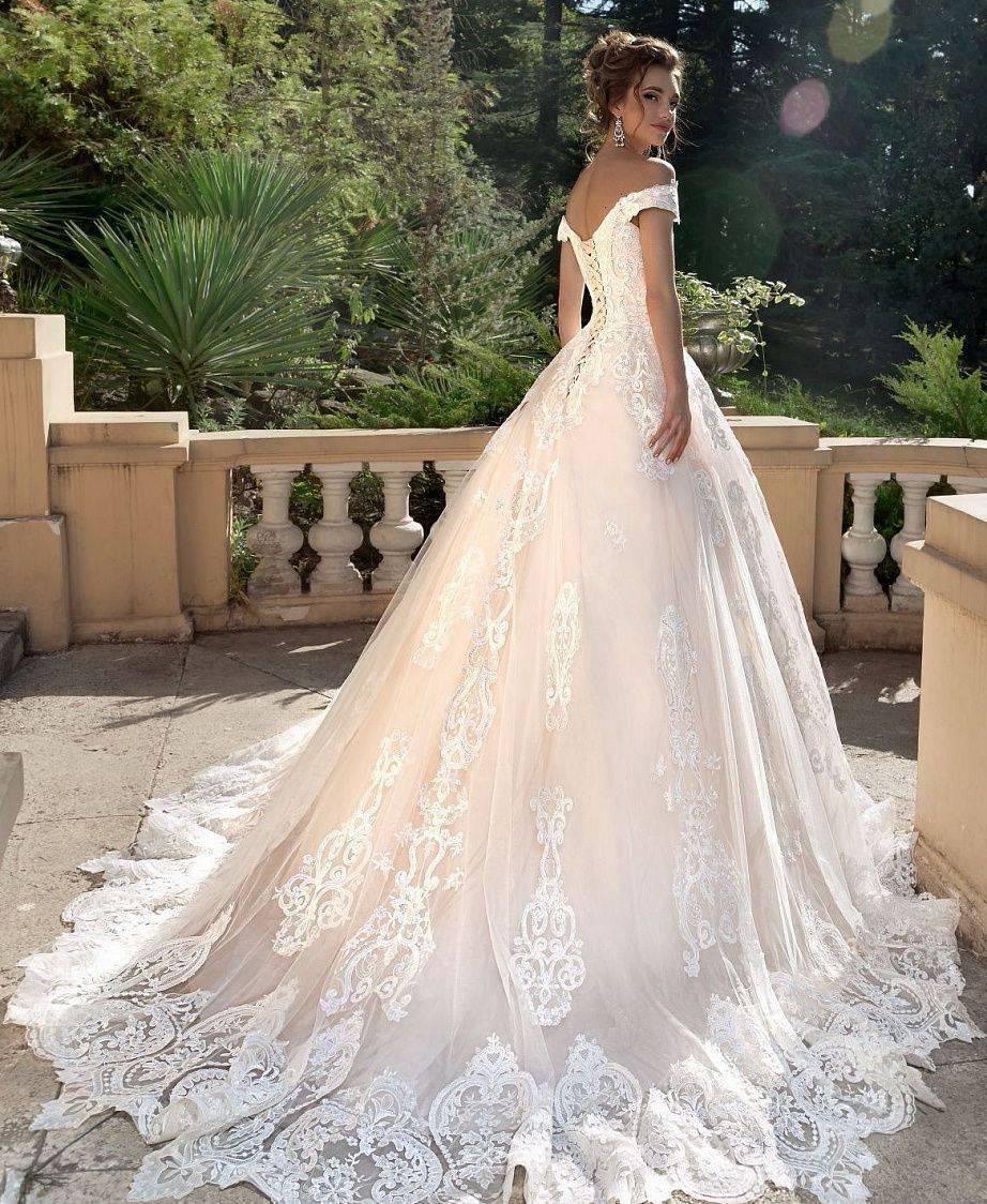 Свадебное платье со шлейфом — вне конкуренции