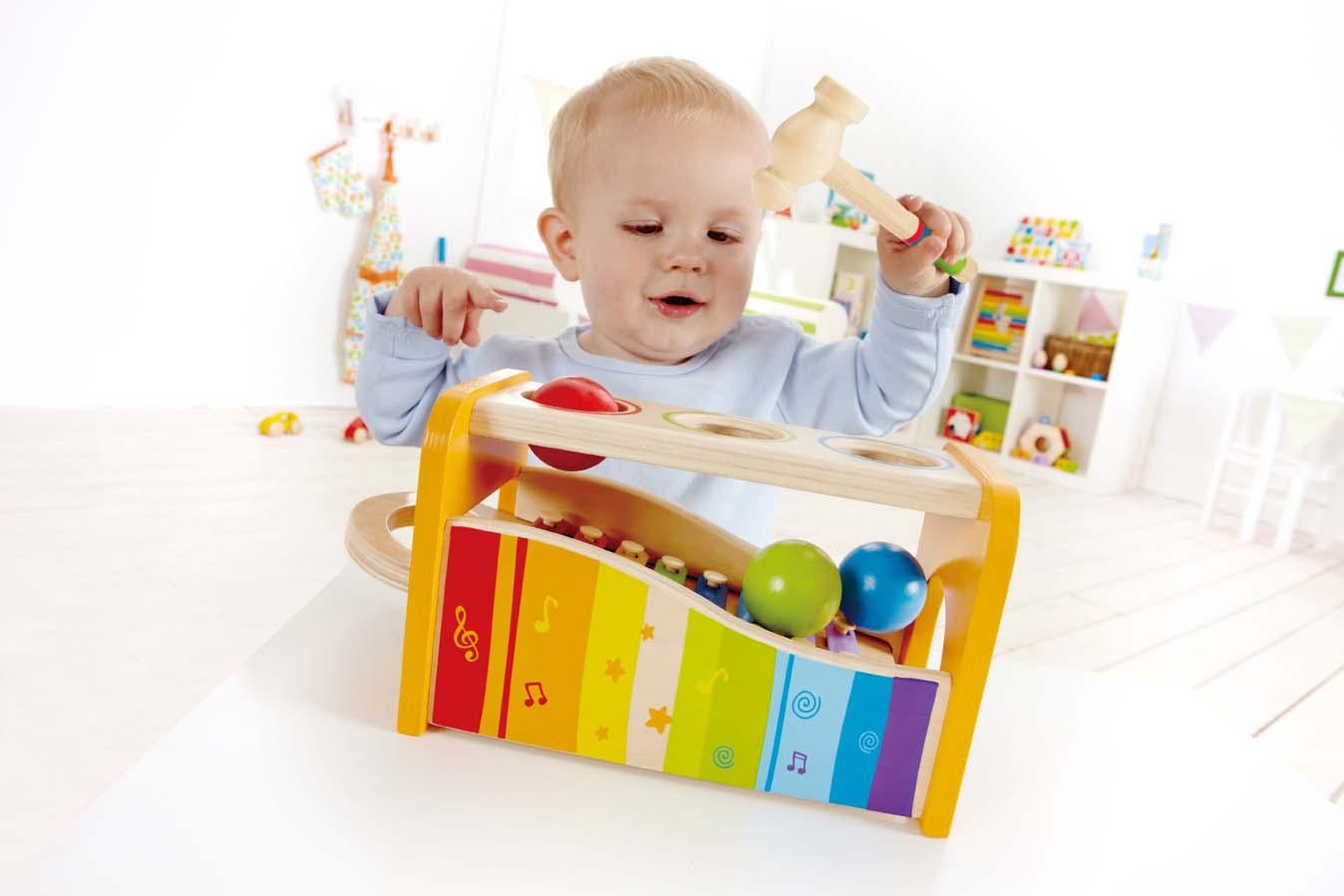 Что подарить ребенку на 1 год: актуальные советы