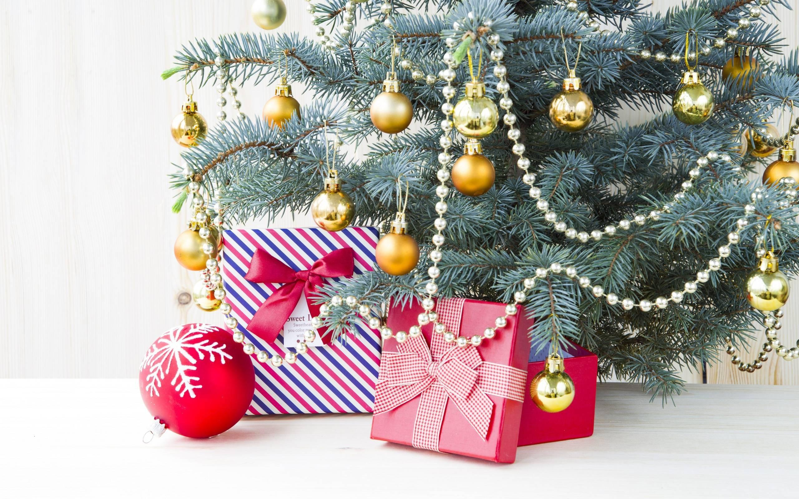 Как украсить елку на Новый год: цвет, стиль, материалы