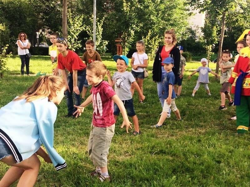 Как развлечь детей летом? Развивающие игры на природе