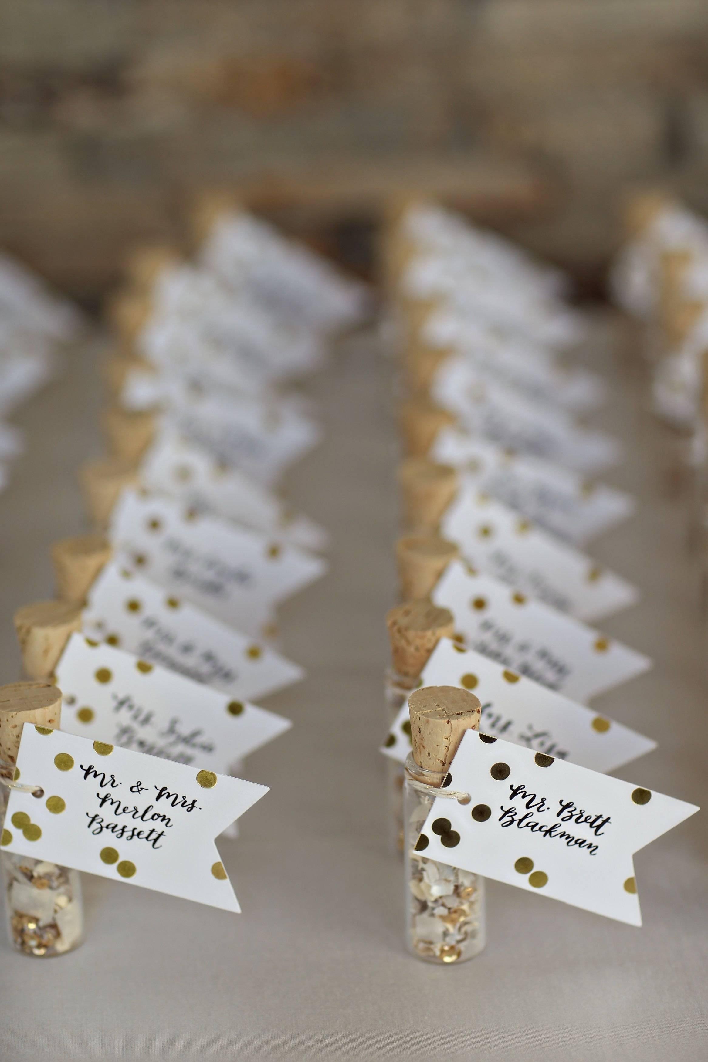 Рассадочные карточки на свадьбу, или Как красиво пригласить гостей к столу