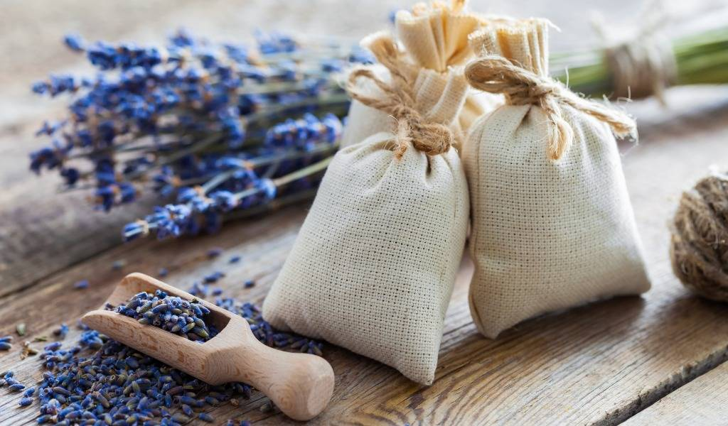 Саше своими руками — ароматические подушечки в подарок и для себя