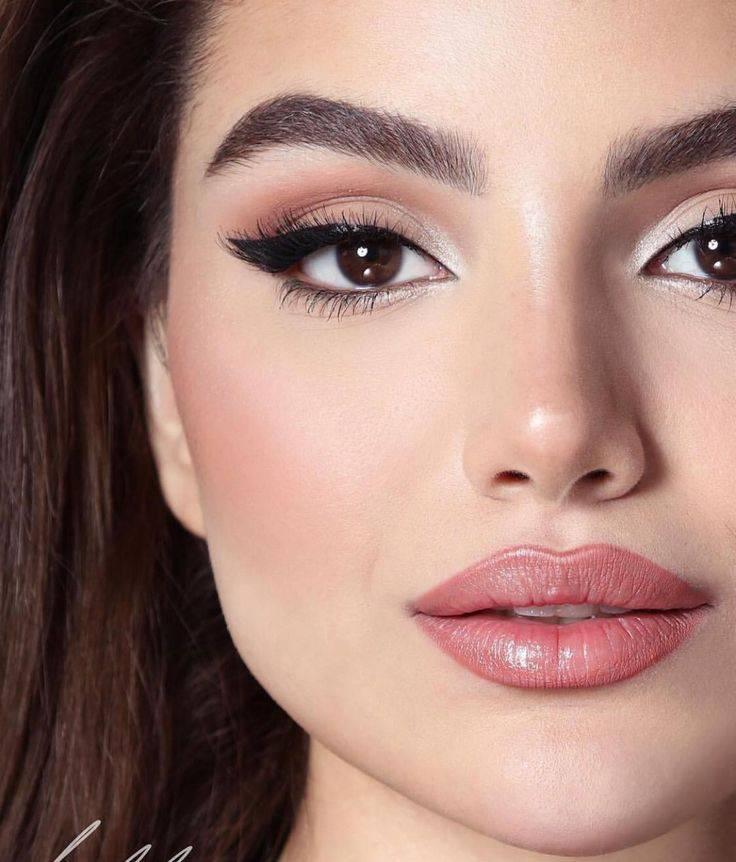 Вечерний макияж для карих глаз: создаем совершенный взгляд