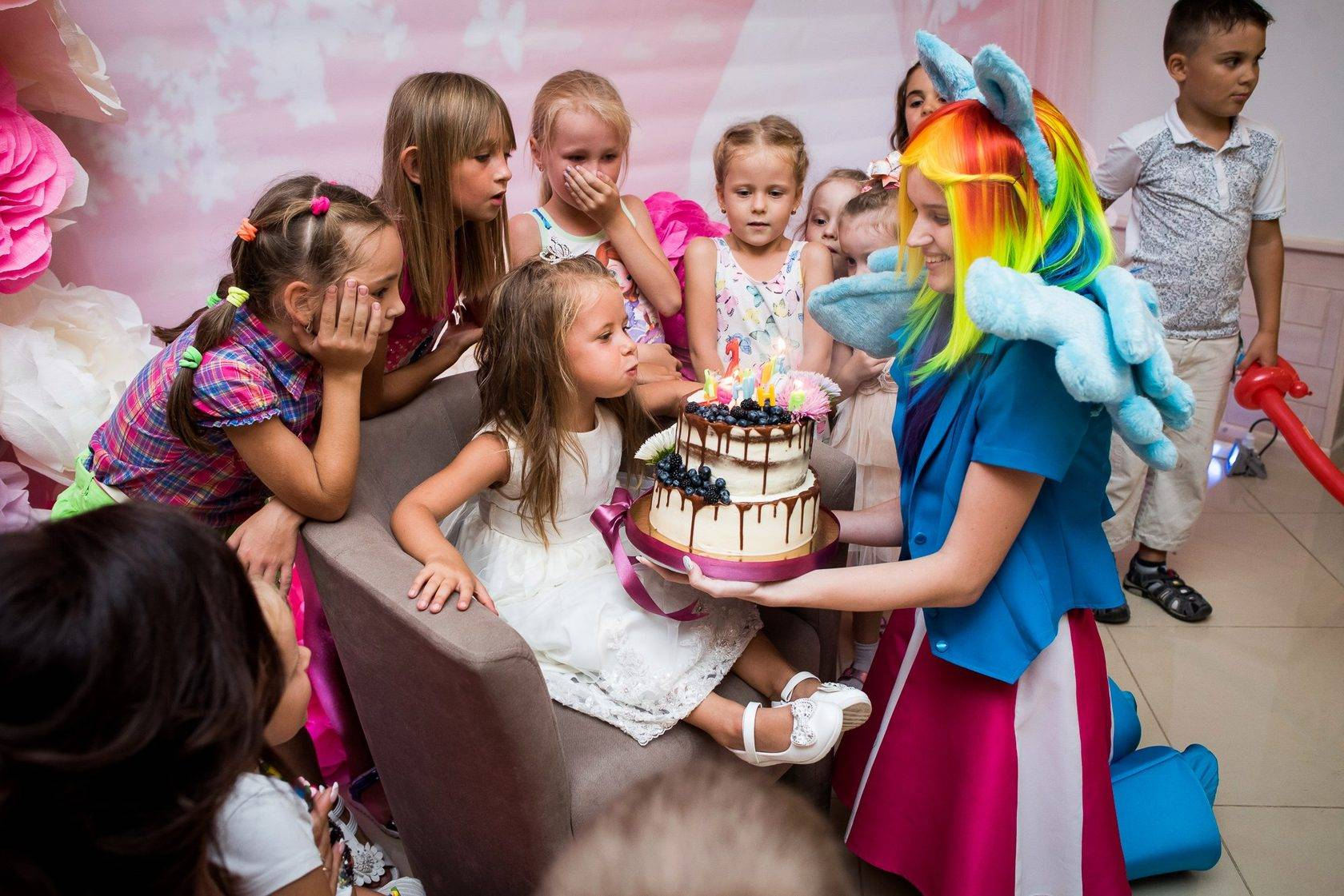 Сам себе аниматор: как провести день рождения дома весело?