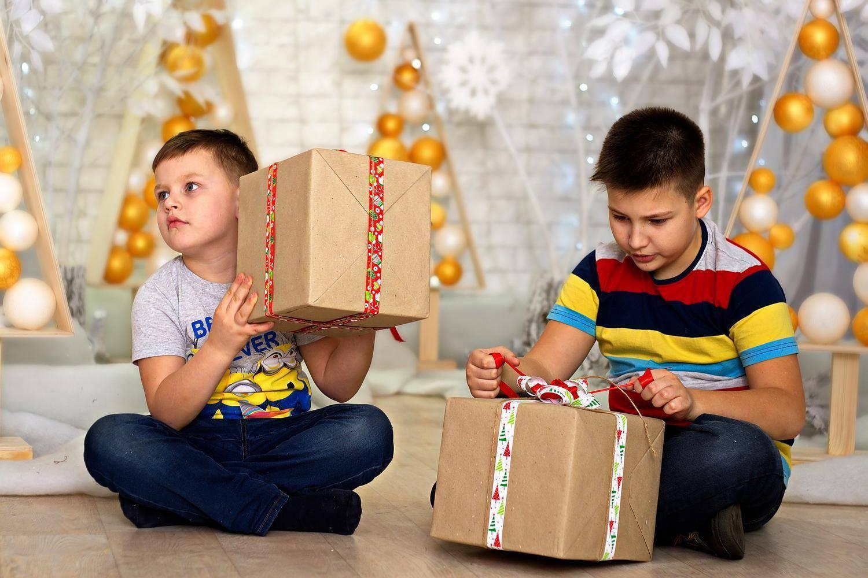 Что подарить на 3 году мальчику: подарки, от которых кроха будет в восторге!
