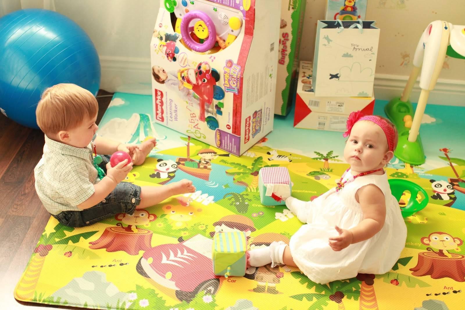 Что подарить ребенку на 2 года — полезные и безопасные игрушки