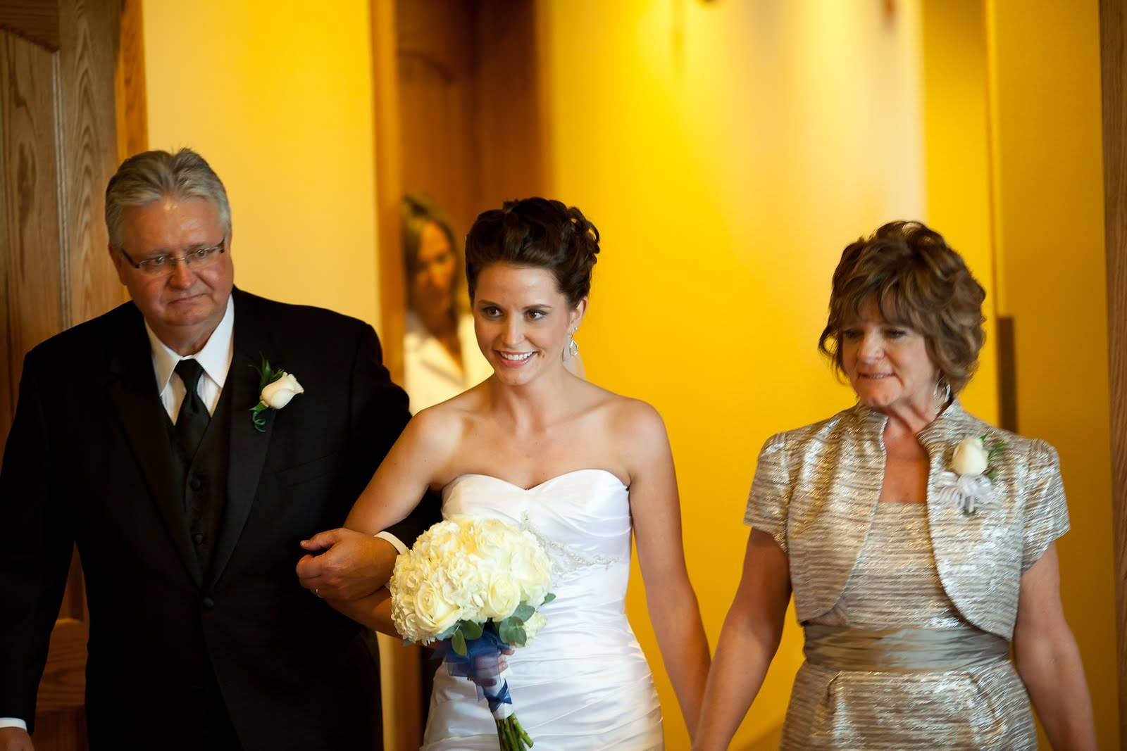 Cемье 2 года: какая свадьба, как отпраздновать, что подарить?