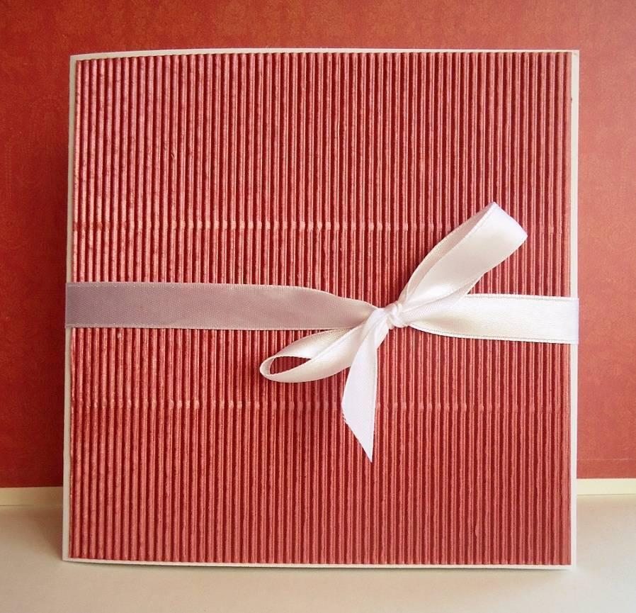 Обложка для диска с подарочным декором