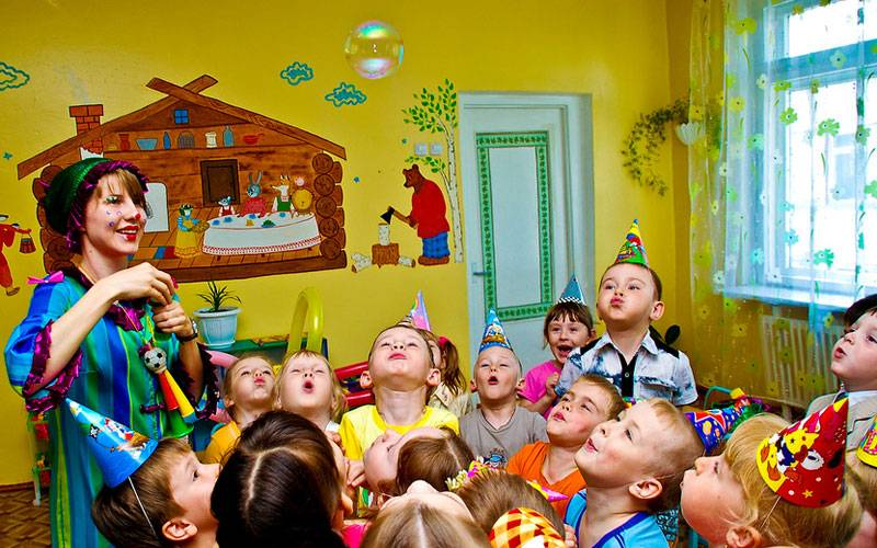 """Игровая программа для детей """"Веселое сладкоборье"""""""