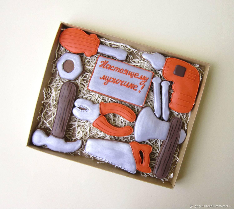 Что подарить брату на день рождения: идеи для любого возраста именинника