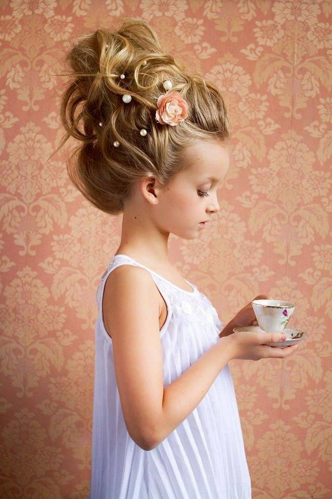 Праздничные виды причесок для детей