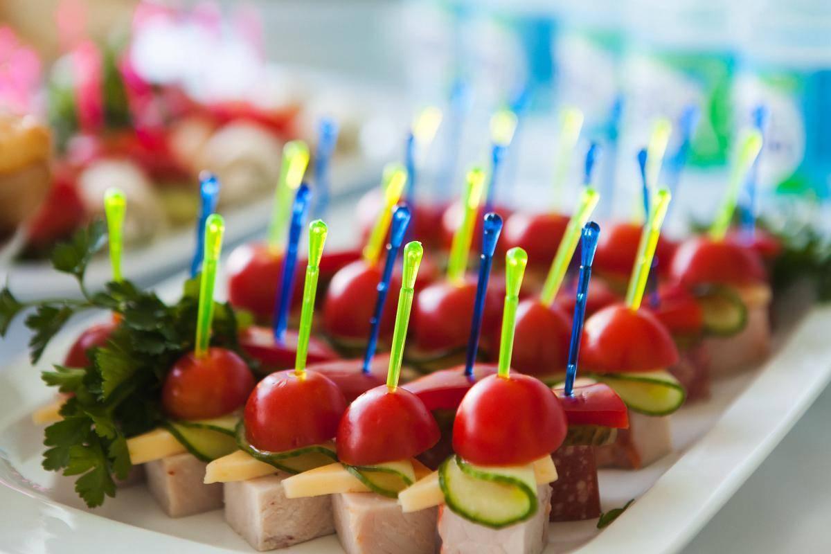 Фуршетные закуски к праздничному столу