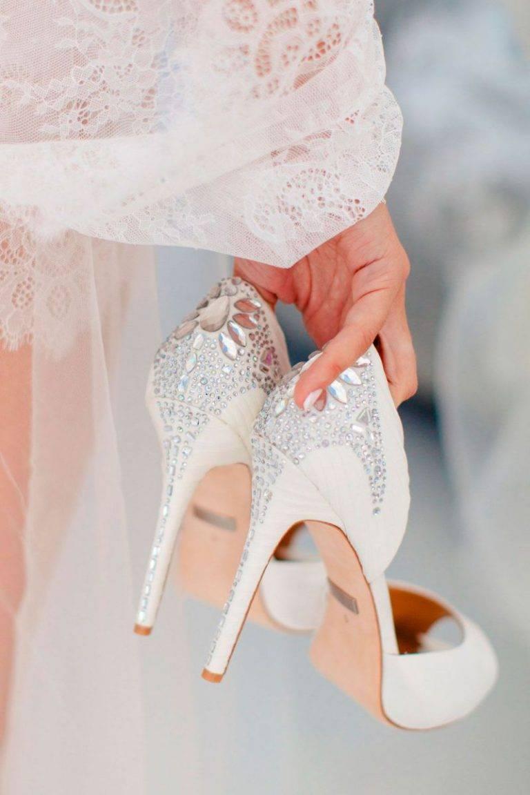 Нестандартная свадебная обувь, или А вам слабо?