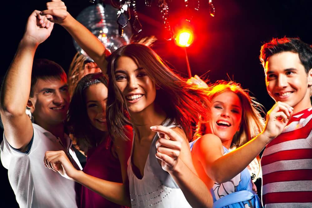 """Сценарий молодежной вечеринки """"Масленичная Дискотека"""""""