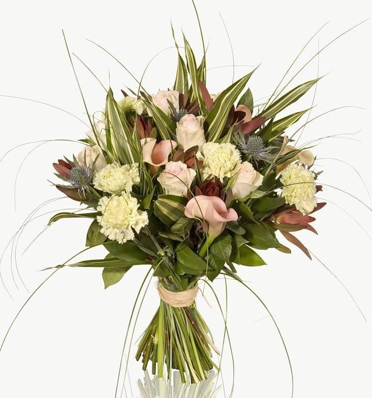 Правила этикета: какие цветы дарят мужчинам?