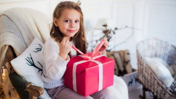 Что подарить девочке на 5 лет — сюрприз для настоящей принцессы