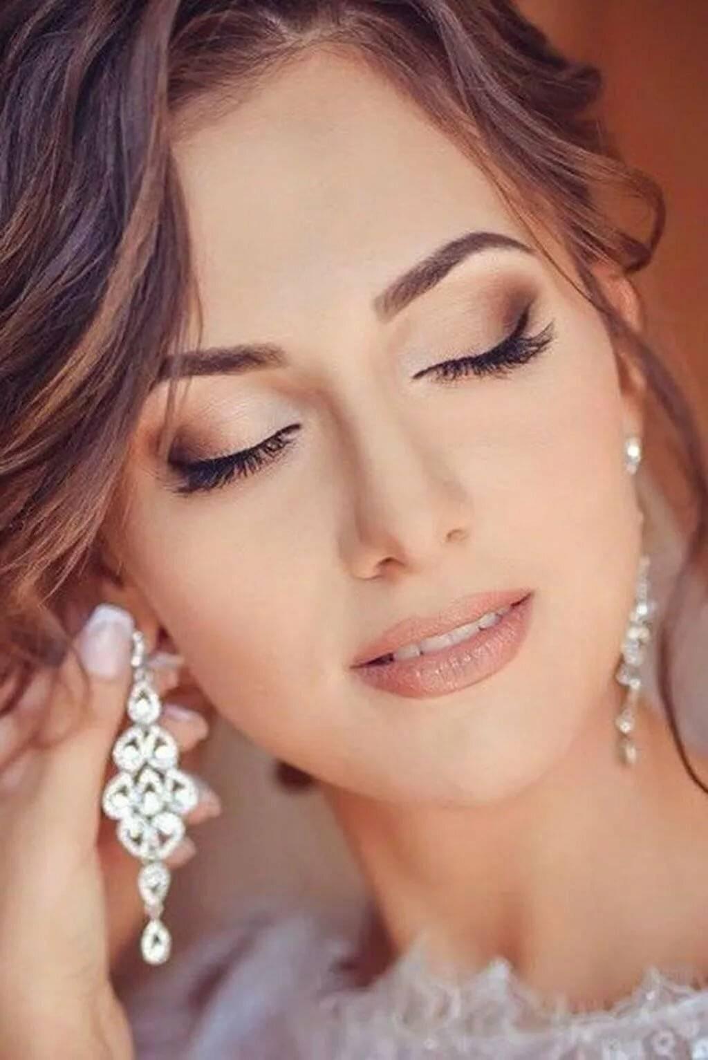 Как правильно выполнить свадебный макияж для зеленых глаз
