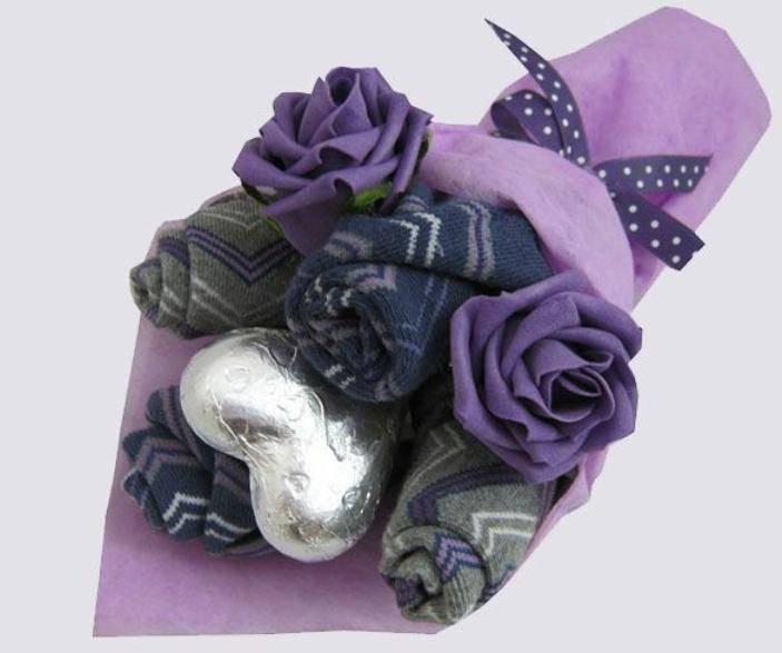 Букет из носков — практичный и оригинальный подарок