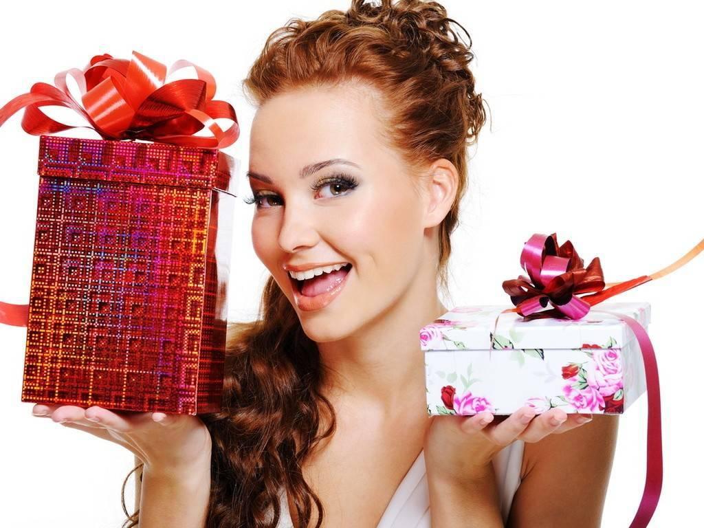 Что подарить девушке на 8 Марта, или Трудные дни мужчин