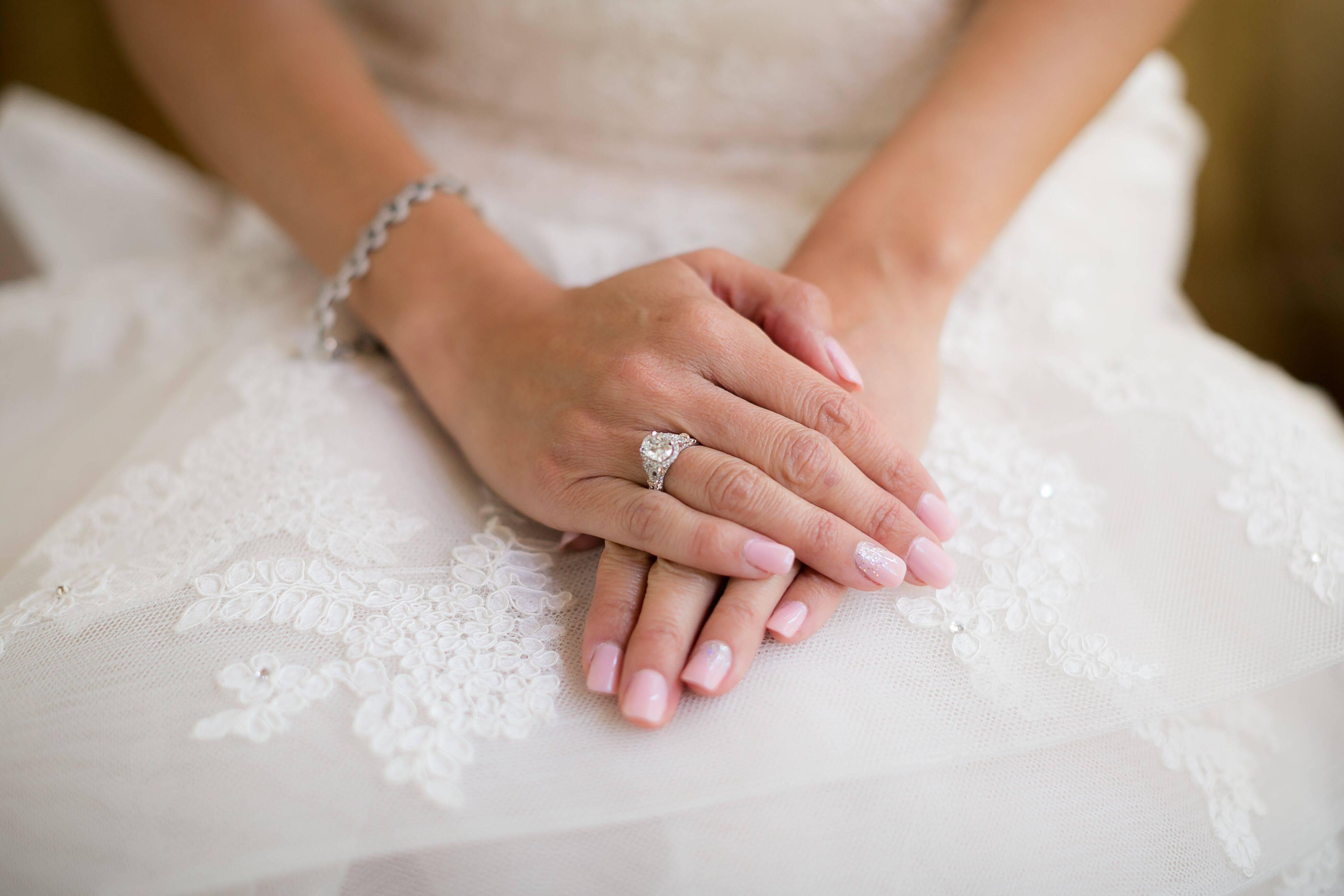 Свадебный маникюр: классические решения и оригинальные идеи