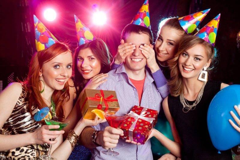 Лучшие идеи для видео поздравлений друзьям и близким