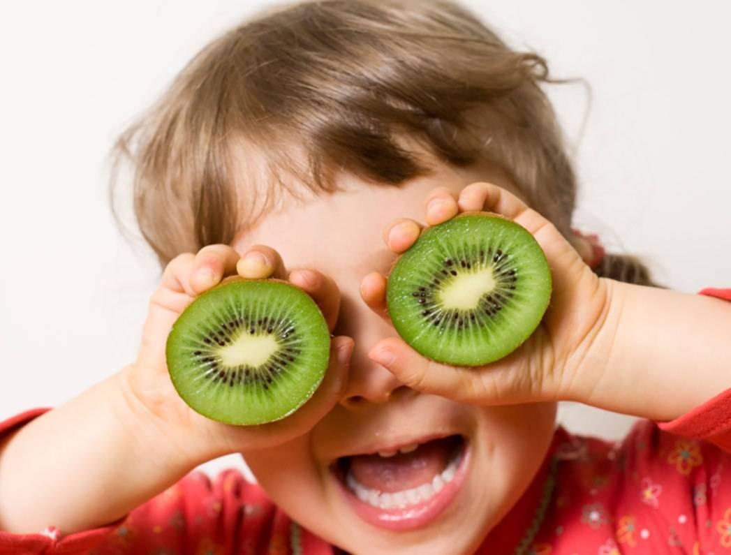 Возрастные ограничения по употреблению киви для детей