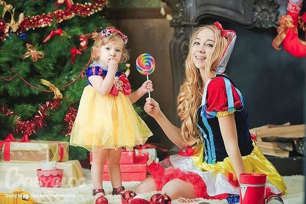 """Игровой момент для новогоднего праздника детей """"Дефиле сказочных героев"""""""