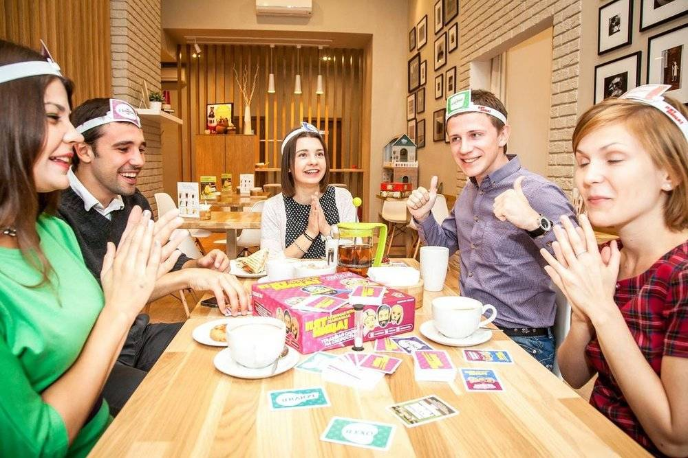 26 разных конкурсов, в которые будет весело поиграть за столом на дне рождения