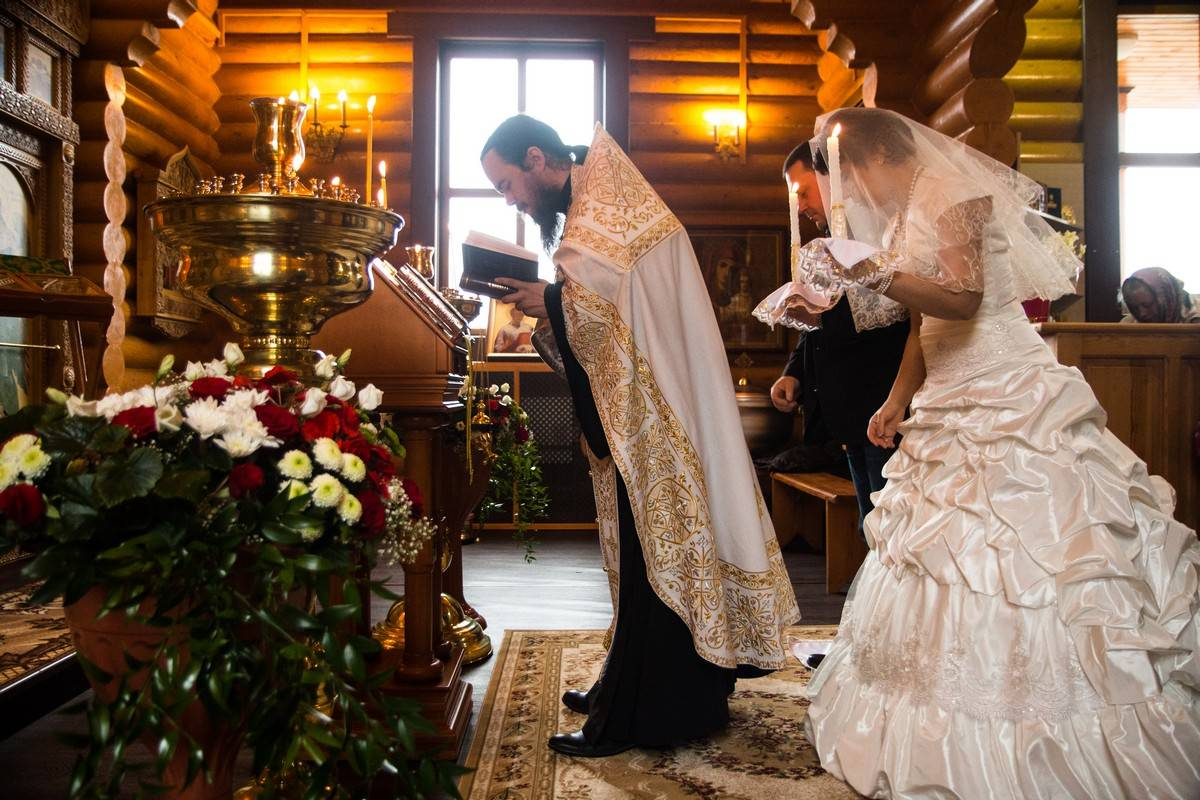 Что нужно для венчания в храме и костеле