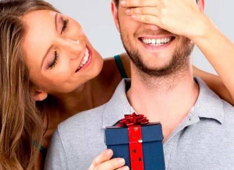 Подарок мужчине своими руками: консервативная сдержанность или яркая экстравагантность?