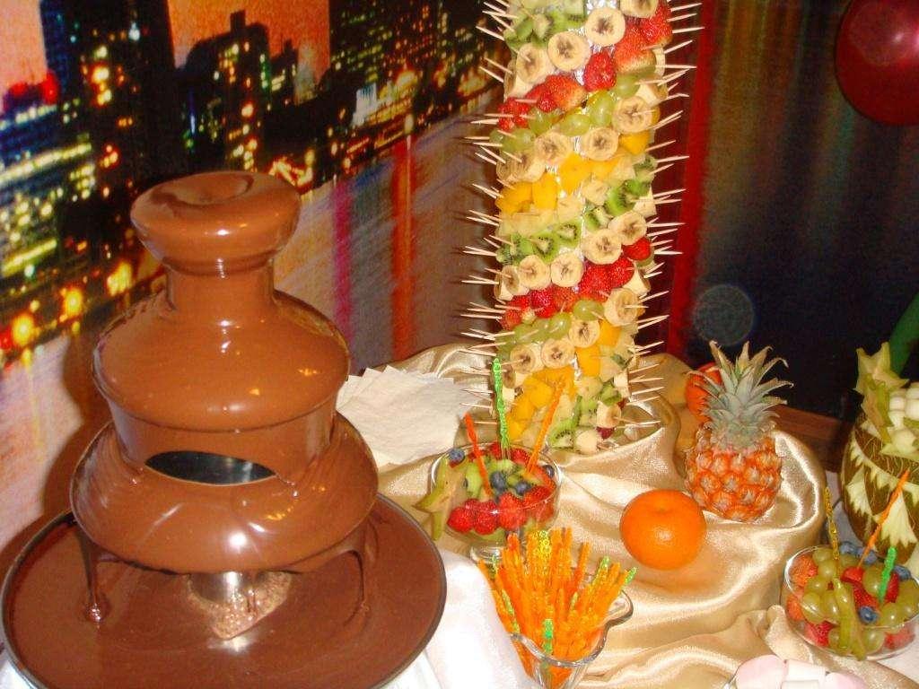 Шоколадный фонтан: для истинных гурманов