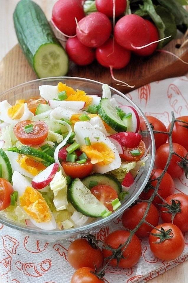 Яркие праздничные блюда: салаты без майонеза