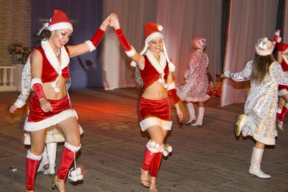 Новогодние танцевальные игры