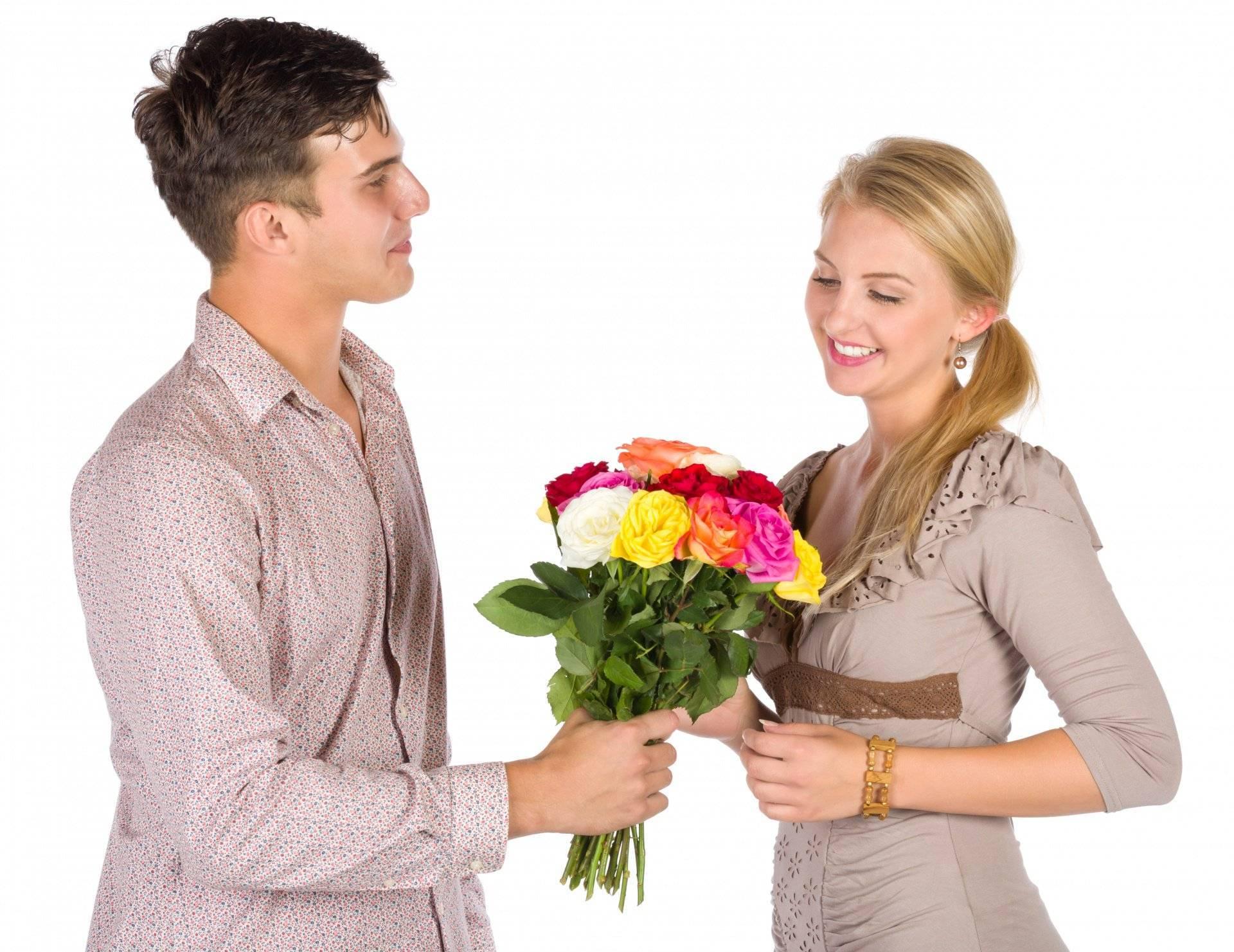 Как выбрать подарки женщинам разного возраста