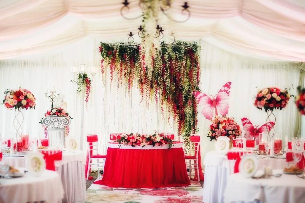 Красная свадьба. Необычное решение для ярких людей