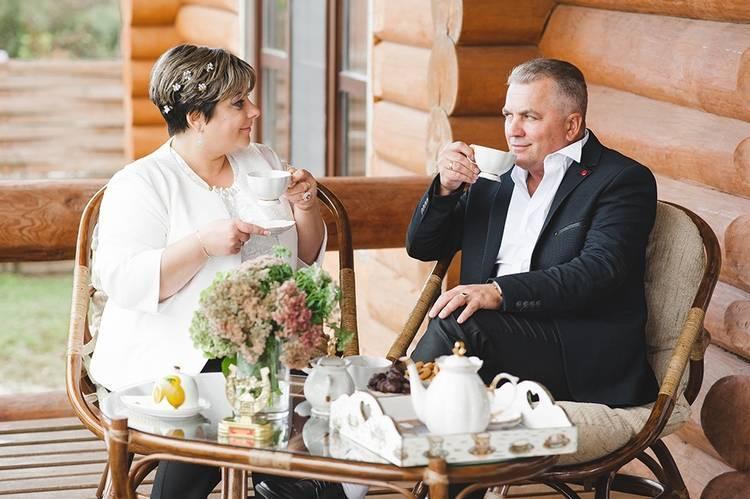 Празднуем 45-летие свадьбы — организация и выбор подарка