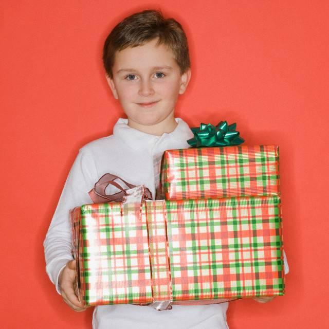 Каким подарком можно порадовать ребенка 11 лет?